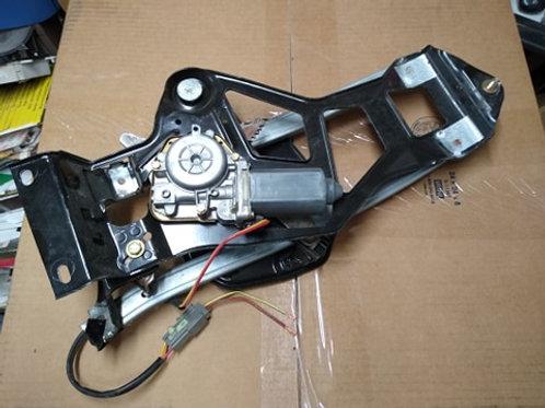 1994-04 Mustang Convertible RH rear quarter window regulator & motor assy-used