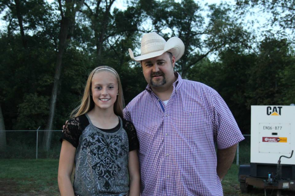 Kenzie and Daryle Singletary