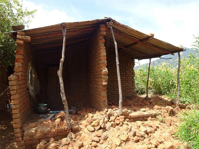 Broken house Chikala.jpg