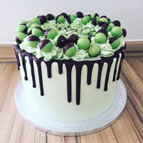 Mint Aero Drip Cake