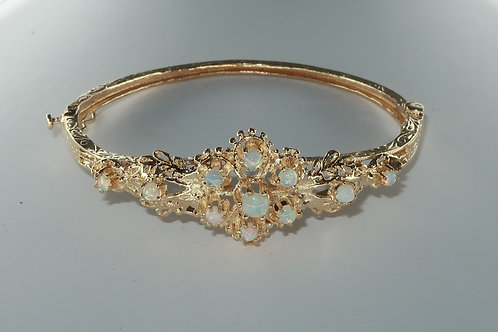 Antique Opal Bracelet 14karat Yellow Gold