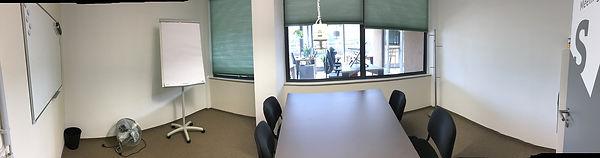 Meetingraum S weitwinkel klein.jpg