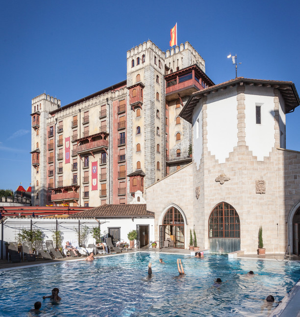 EP16_Resort_Santa_Isabel_Pool_Tag_01.jpg