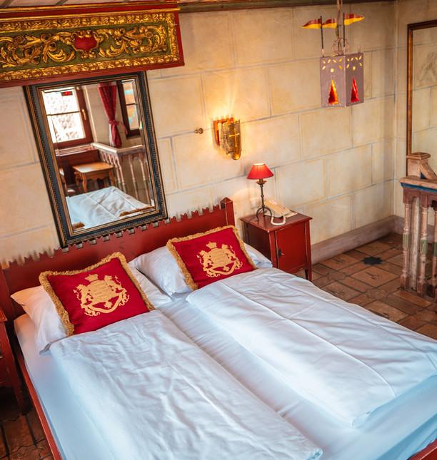 EP19_Hotels_Castillo_Alcazar_Innen_Suite