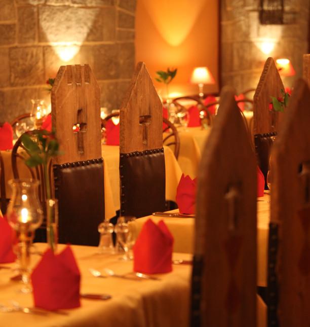 EP10_Resort_Castillo_Gastro_Turnierzelt_