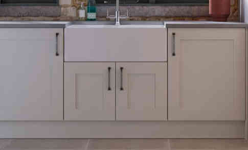 Eastdon kitchen with belfast sink