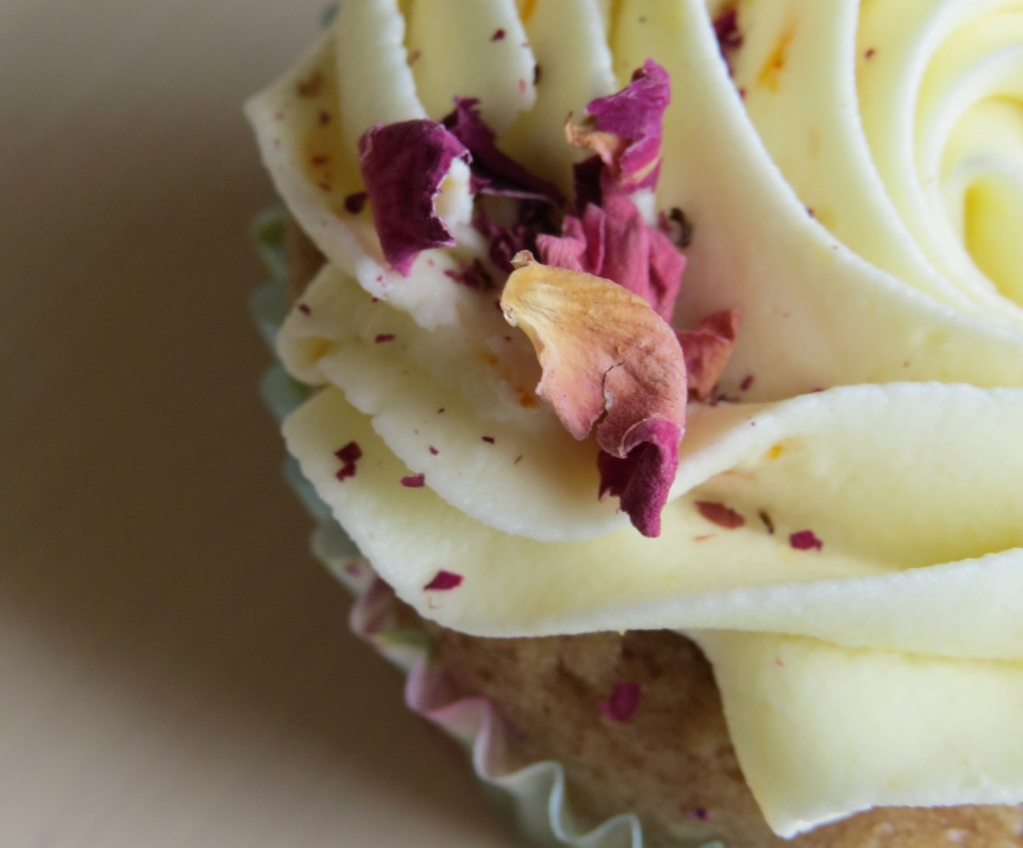 Cinnamon Rose Cupcakes
