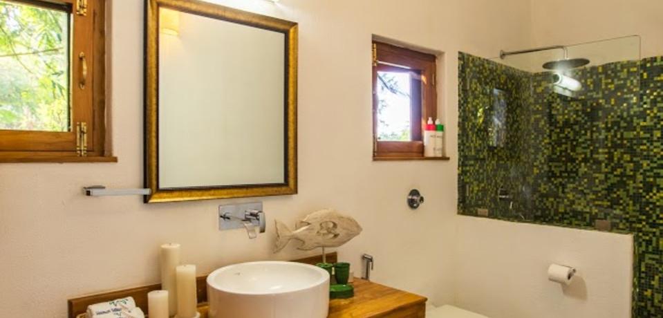 Bathroom 2_Casa Sea_Vista Villa_Goa.jpeg