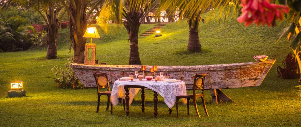 Outdoor Dining_Hamsa Villas_Goa.jpeg