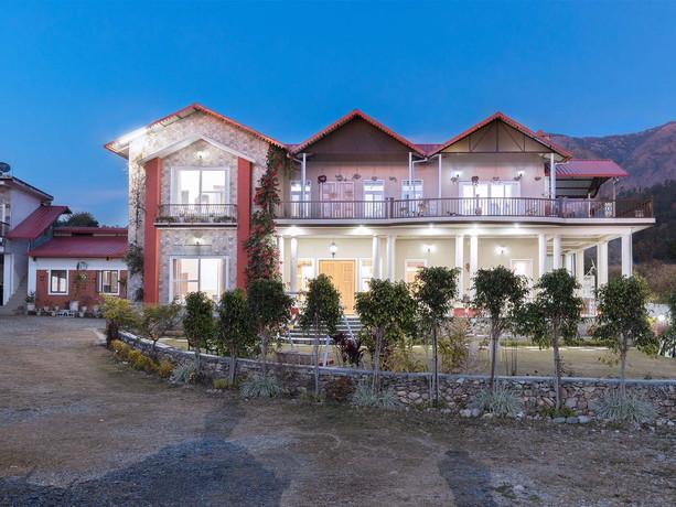 The Silveroaks Villa, Barwa