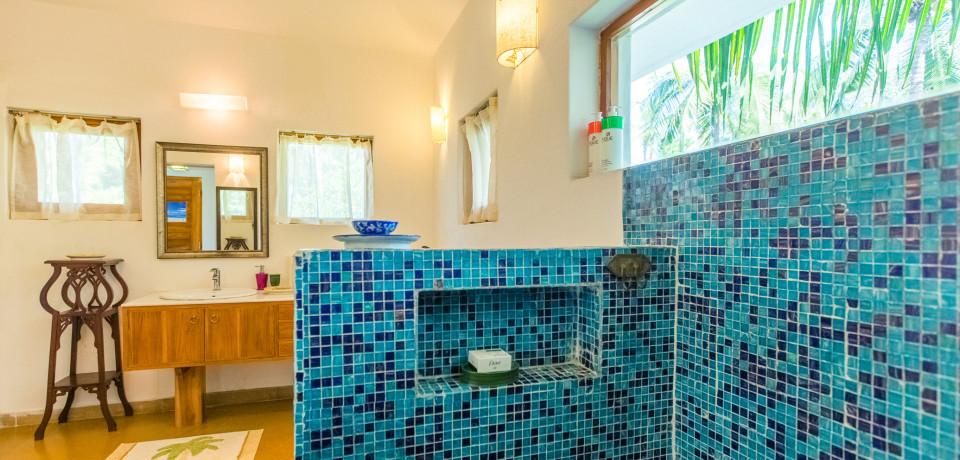 Bathroom 1_Casa Sea_Vista Villa_Goa.jpeg