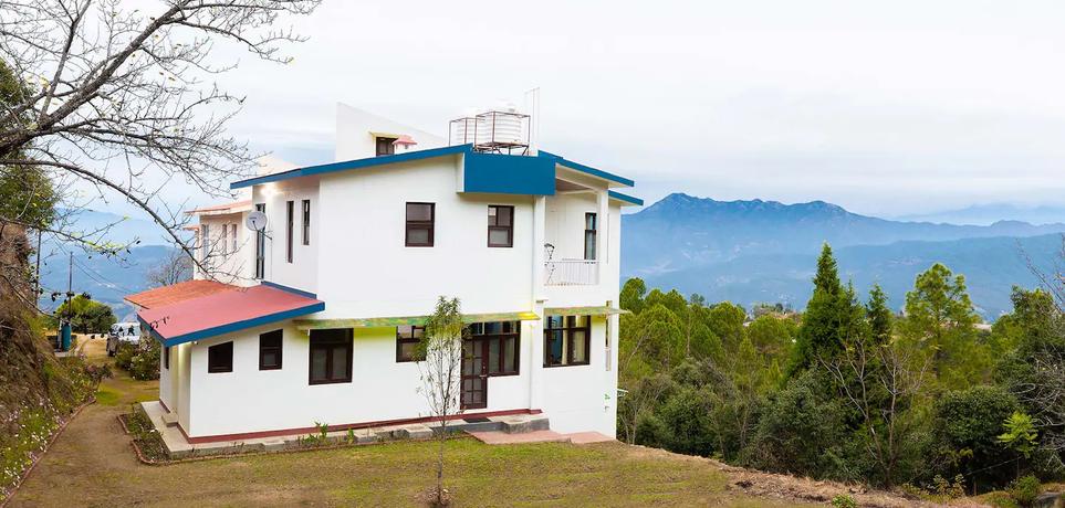Villa Exterior.webp