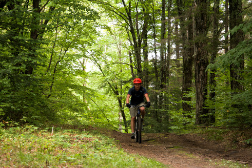 Cresting the last big hill and riding towards one of the biggest descents of the route.