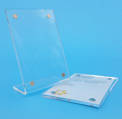 Acrylic-Display-With-Magnet