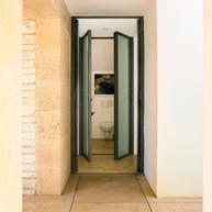 Guest toilet on ground floor