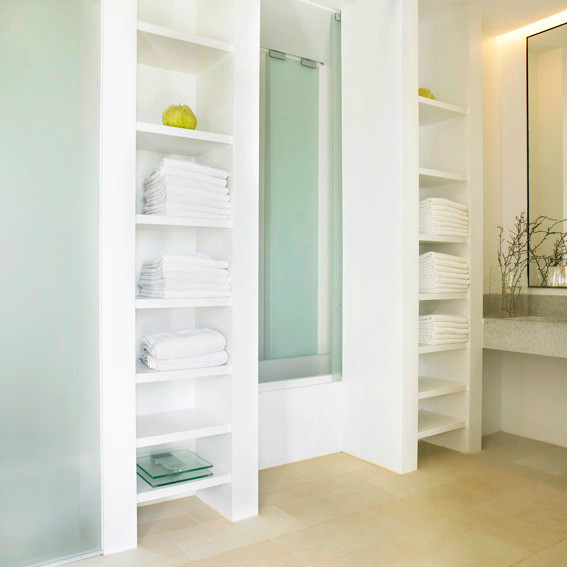 "Master's ensuite bathroom with shower, toilet, tailor-made sink design and ""shared"" bathtub"