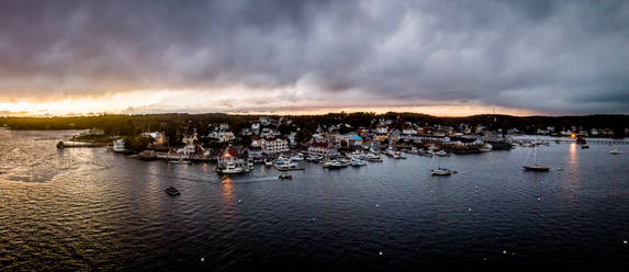 25a - Boothbay Harbor 43°50'52.218- N 69
