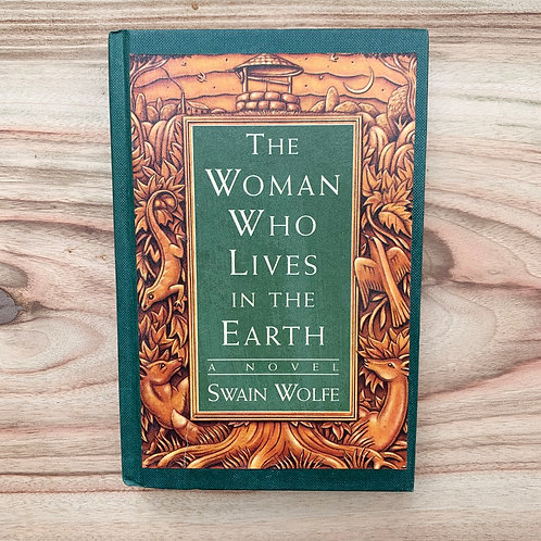 The Woman Who Lives In The Earth - Folding Book Lamp