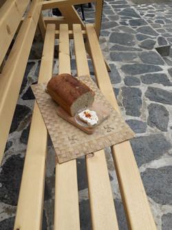 Domaći sir i hleb
