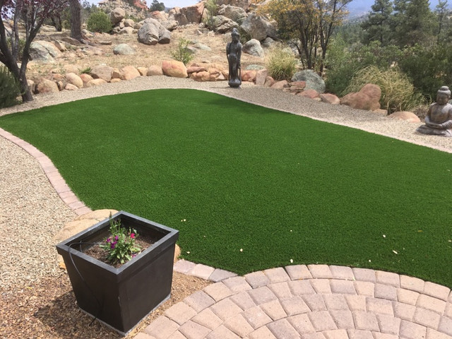 Artificial Turf with Pavers and Rockscape