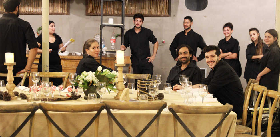 צוות עם חיוך בגוונא אירועים - Gavna Even