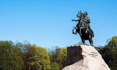 Обзорная экскурсия по Санкт-Петербургу.j