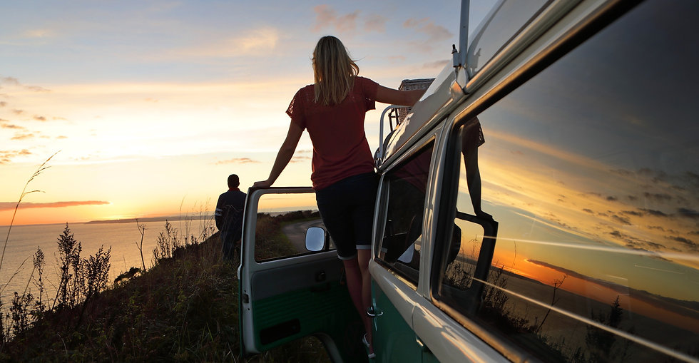 Wohnmobil, Camper, Sonnenuntergang schauen, Reisen, Abenteuer