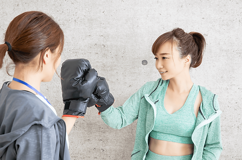 キックボクシング女性