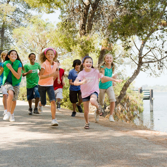 Laufende Kinder