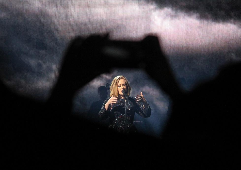 COLOUR - Adele by Vanessa Eakin (10 marks)