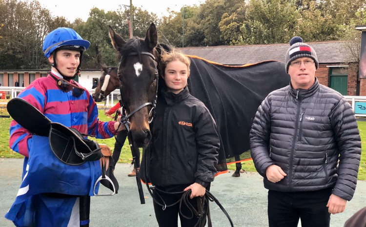 George, Robert, Selma and Country'N'Western after his win at Nottingham 30/10/2019