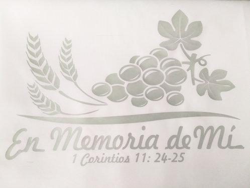 "Mantel Santa Cena 90"" x 132"" Blanco Diseño y Corredor/Tapete Plateado"