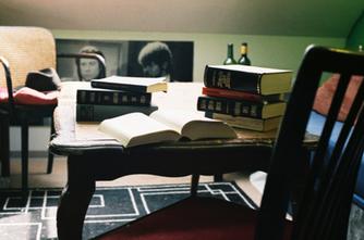 Kapital im Bücherschrank