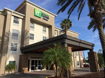 Holiday Inn Express & Suites by IHG | Orlando, FL