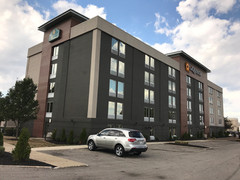 La Quinta Inn & Suites by Wyndham | North Olmsted, OH