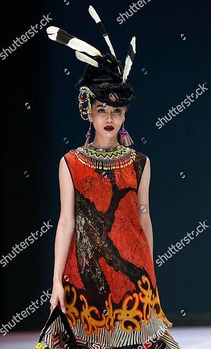 sugeng-waskito-runway-indonesia-fashion-