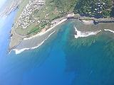 Parapente à la Reunion.Le lagon de saint Leu vu depuis un vol en