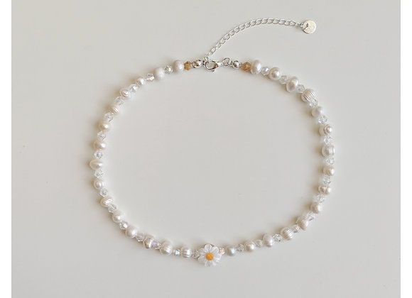 Crystal's Daisy Choker Necklace