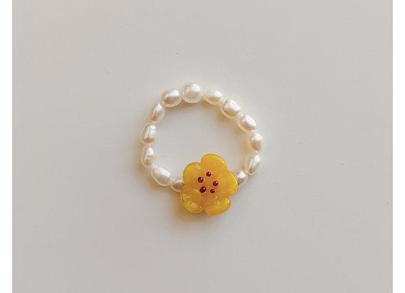 Honey Flower Pearl Ring