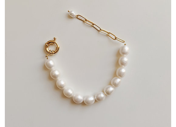 Pure Pearl Bracelet