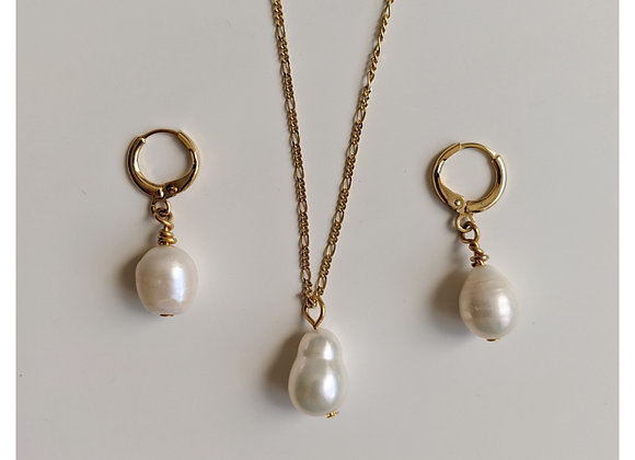 The Classic Pearl Set