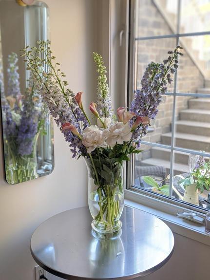 Grand Glass Vase - Soft & Light