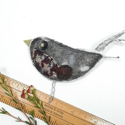 Felt robin brooch 6