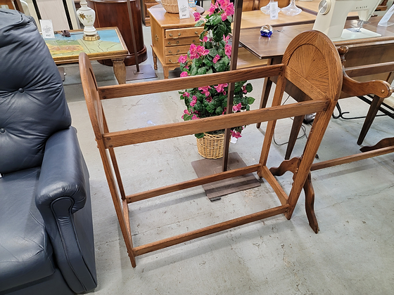 Oak Wood Quilt Rack with Two Bars