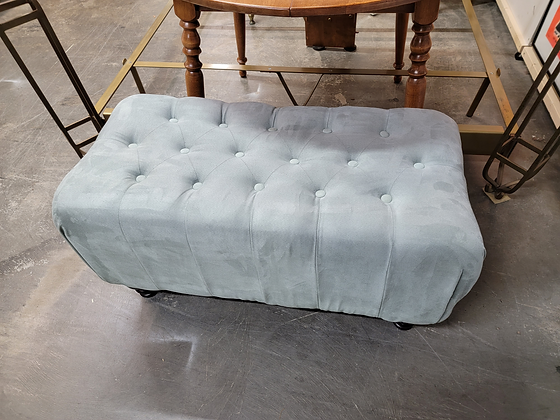 Gray Tufted Top Upholstered Bench w/ Wood Legs