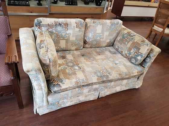 Floral & Striped Upholstered Love Seat With Matching Throw Pillows