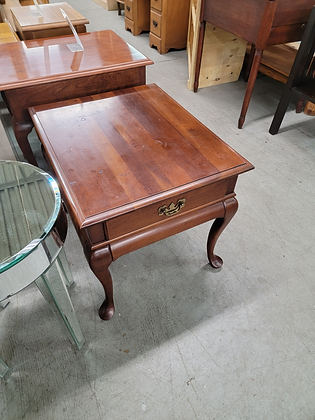 Queen Anne Wood Nightstand with Drawer