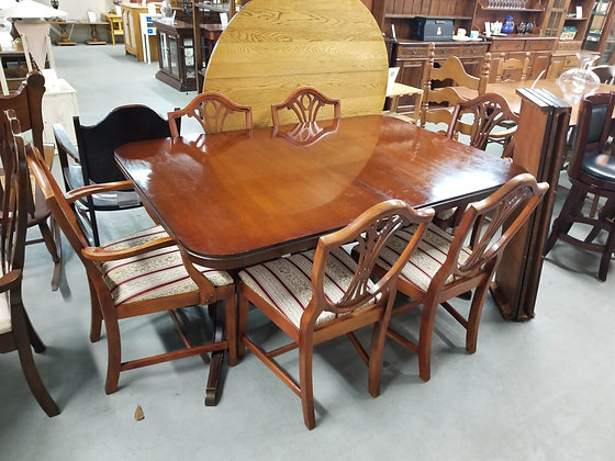 Mahogany Wood Dining Table w/ Six Shield Back Chairs and Three Leaves