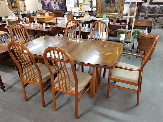 Skovby Mid Century MCM Dining Table w/ Six Chairs & Two Leaves