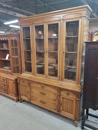 Thomasville Glass Front Wood China Cabinet w/ Five Drawers